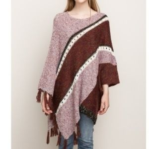 EUC Mystree unbalanced fringe color block poncho